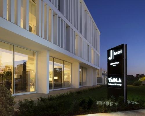 J-Hotel-_001_-Vista-esterna